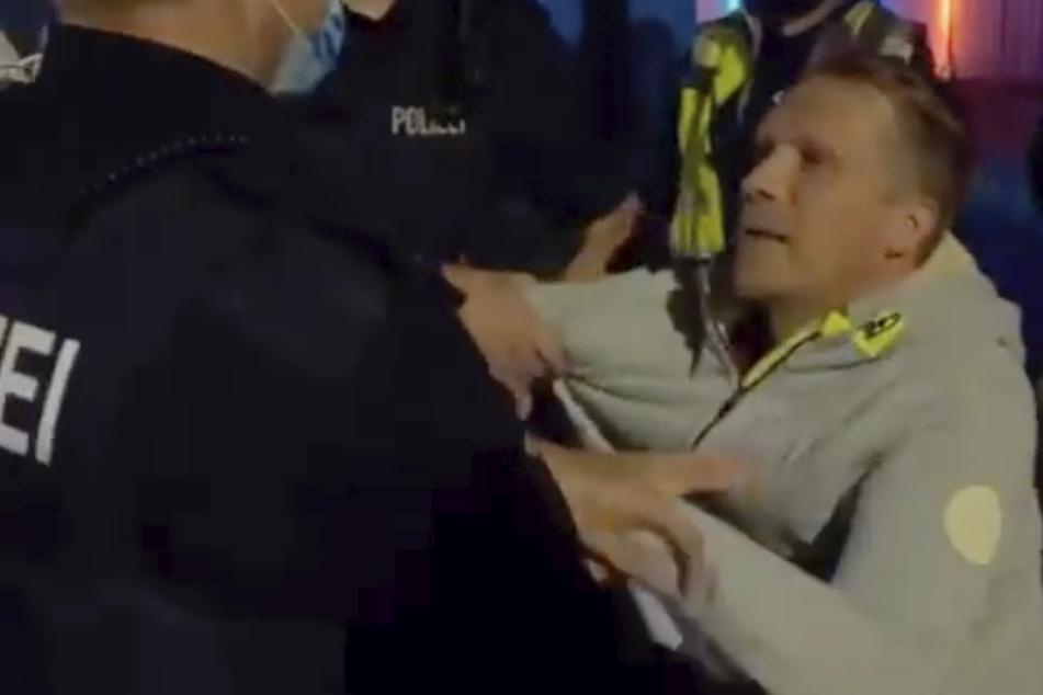 Eklat bei Lombardi-Konzert: Polizisten führen Oliver Pocher ab
