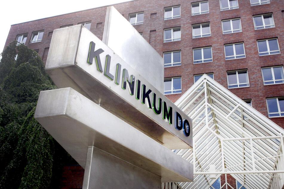 Im Klinikum Dortmund ist es zu einem Corona-Ausbruch gekommen. Wie die Stadt auf Anfrage am Mittwoch mitteilte, wurden vom Gesundheitsamt acht Mitarbeiter und vier Patienten positiv getestet.