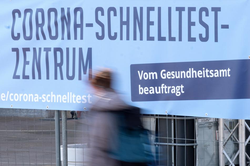 Das NRW-Gesundheitsministerium schätzt den Abrechnungsbetrug in Corona-Testzentren nicht als flächendeckendes Problem ein.