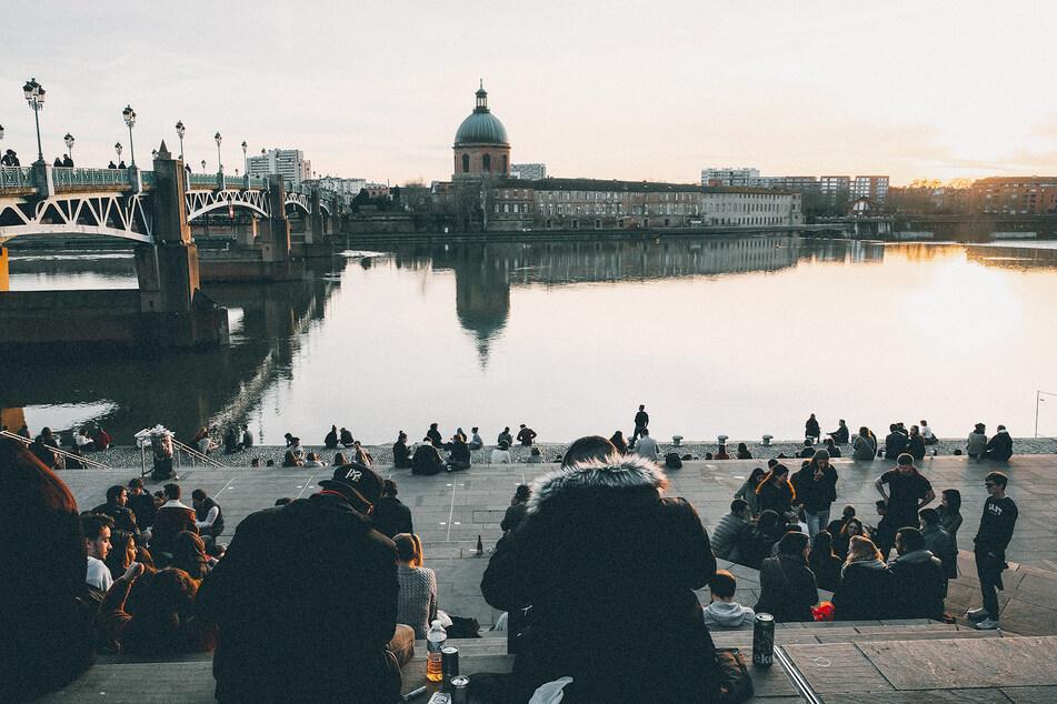 Auf öffentlichen Plätzen in Toulouse darf künftig ab 13 Uhr kein Alkohol mehr getrunken werden.