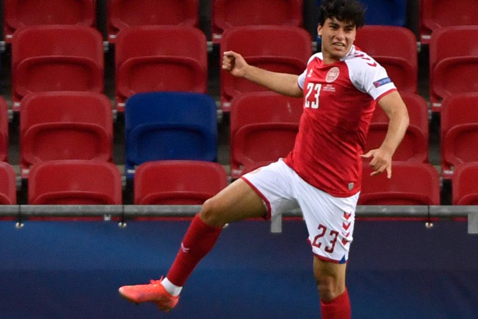 VfB-Neuzugang Wahid Faghir (18) feiert hier im Trikot der dänischen U21-Nationalmannschaft. Künftig auch so in Stuttgart?