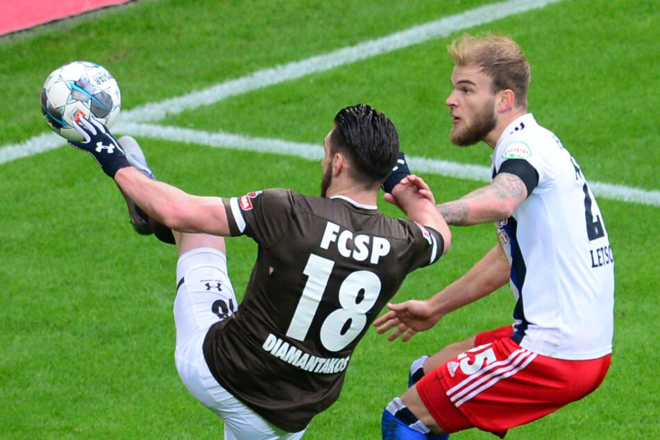 Im Derby spielten der HSV und der FC St. Pauli noch vor vollen Rängen.