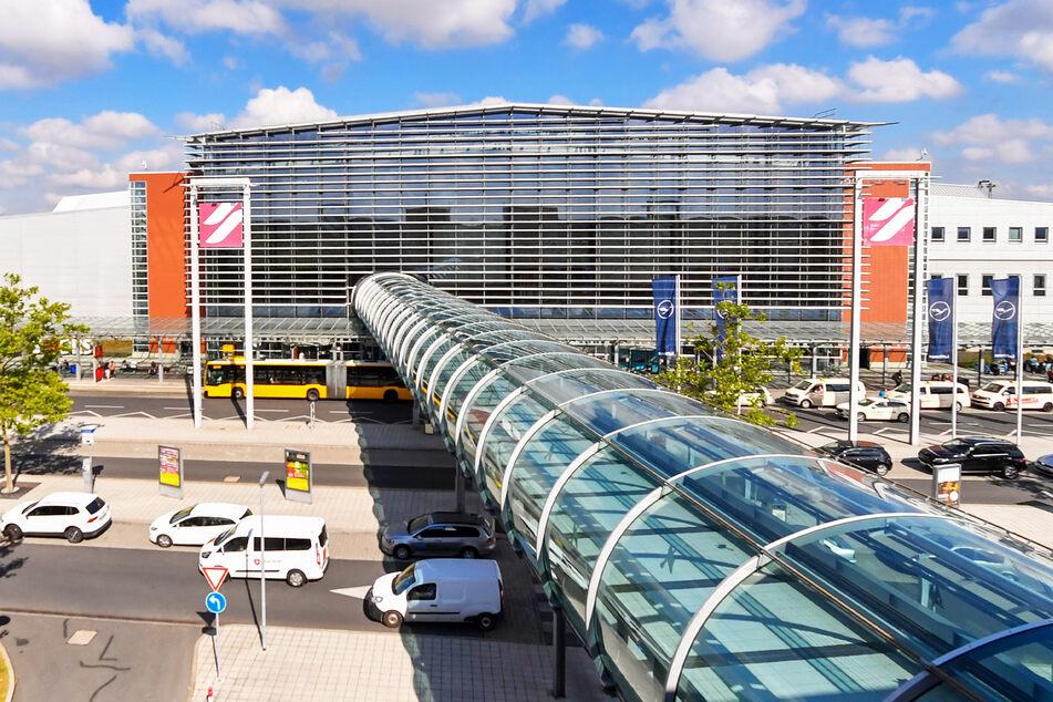 Blick auf den Terminal des Airport Dresden International.