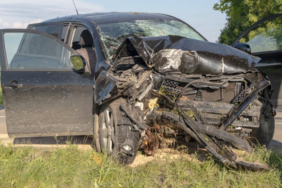 Eine Person wurde bei dem Unfall in Bayern verletzt.
