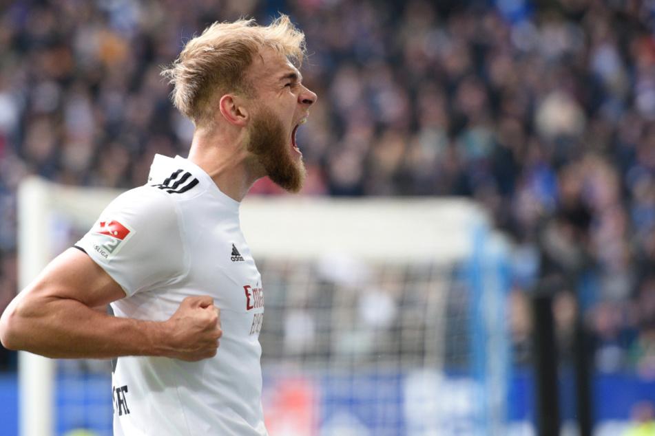 Timo Letschert freut sich über seinen Treffer.