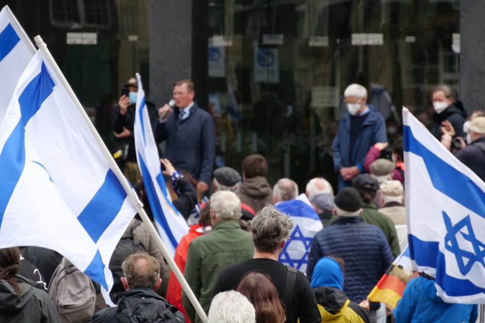 Nahost-Konflikt: Rund 300 Menschen zeigen Solidarität mit Israel