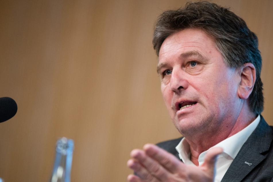 Baden-Württembergs Gesundheitsminister Manne Lucha (59, Grüne).