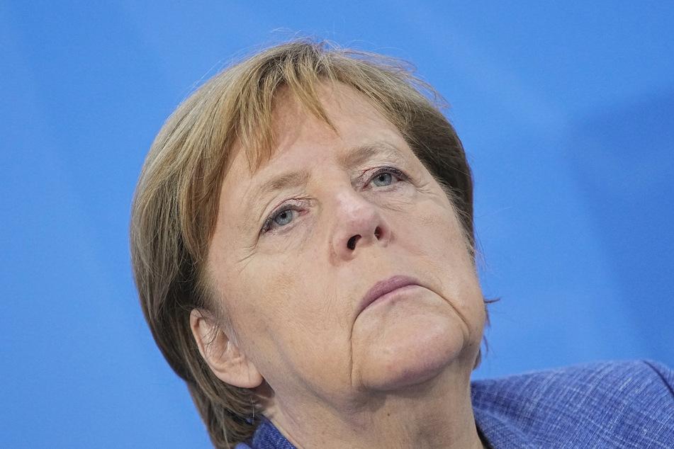 Ganz klar: Für Kanzlerin Merkel (66, CDU) ist die Pandemie noch nicht vorbei.