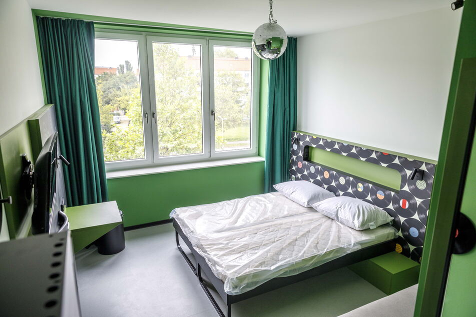 Dieses Musterzimmer zeigt, wie ein Doppelzimmer im Hotel künftig aussehen könnte.