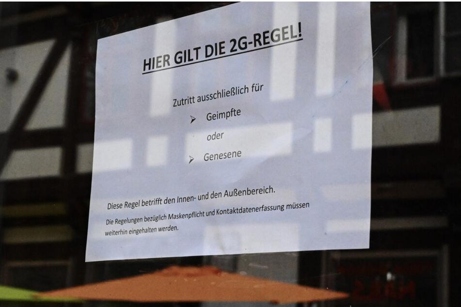 2G soll es im Einzelhandel nicht geben. Das teilte das Gesundheitsministerium am Donnerstag mit. (Symbolbild)