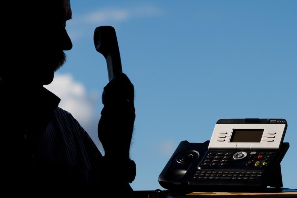 Corona-Betrugsmasche: Falsche Polizisten erbeuten 30.000 Euro