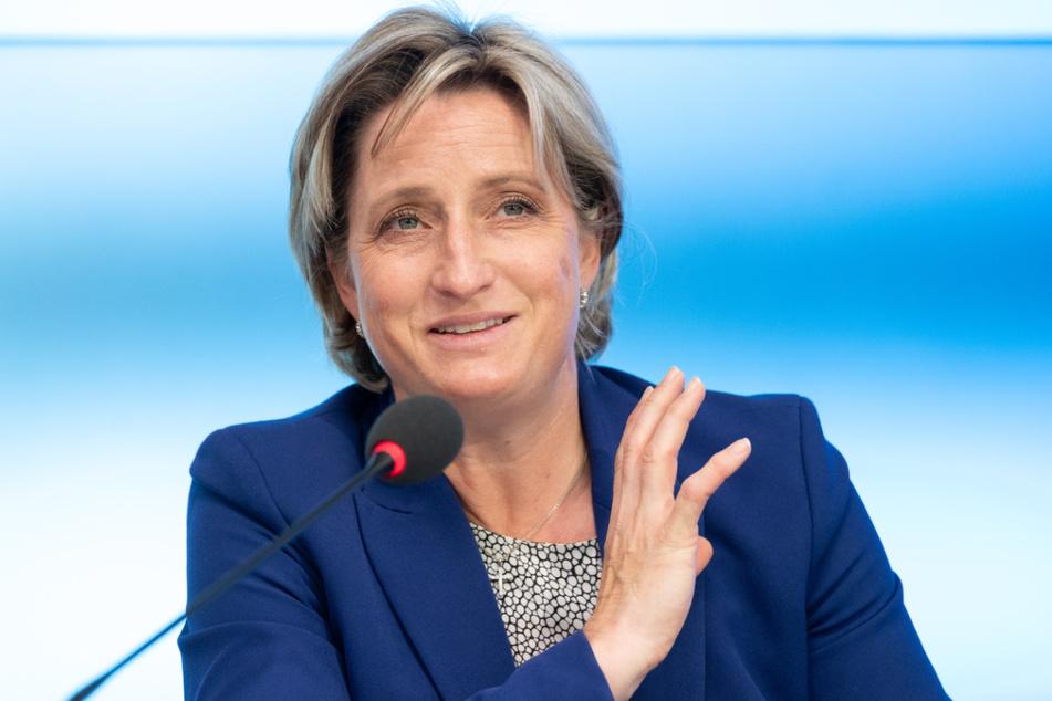Wirtschaftsministerin Nicole Hoffmeister-Kraut (48, CDU).