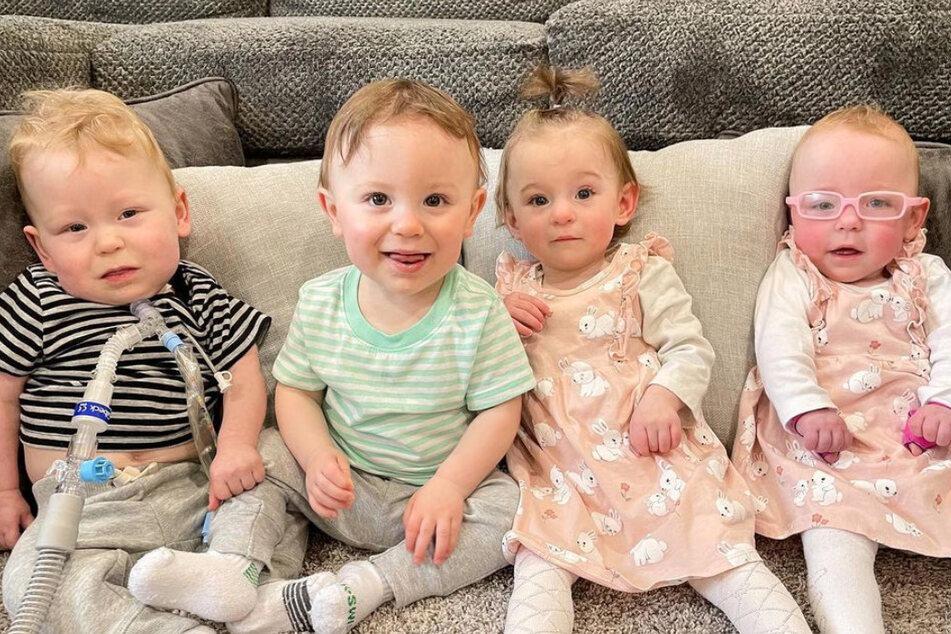 Die vier Fünflinge, Gideon (v.l.n.r.), Elliot, Philomena und Evangeline sind heute bereits über ein Jahr alt!