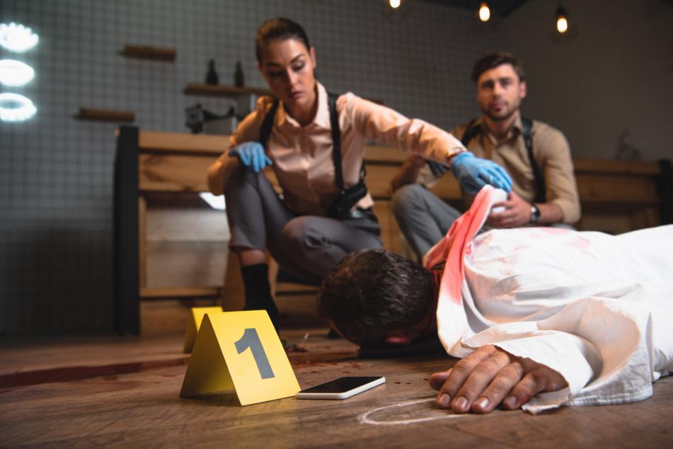 Die Krimireihe widmet sich nicht nur der Aufklärung von Verbrechen, sondern auch der jüngeren Zeitgeschichte.