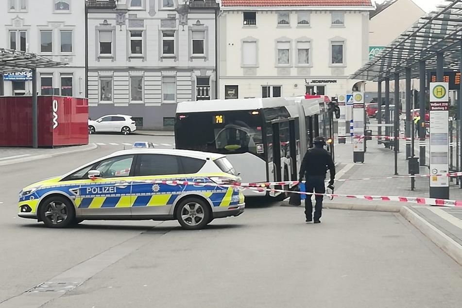 Verdächtiges Paket in Linienbus ruft Entschärfer auf den Plan