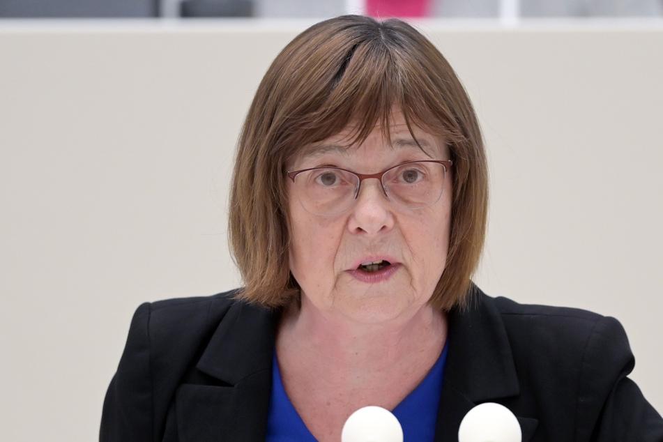Brandenburgs Gesundheitsministerin Ursula Nonnemacher (Grüne) arbeitet nach Angaben ihres Ministeriums vorsorglich in häuslicher Quarantäne.