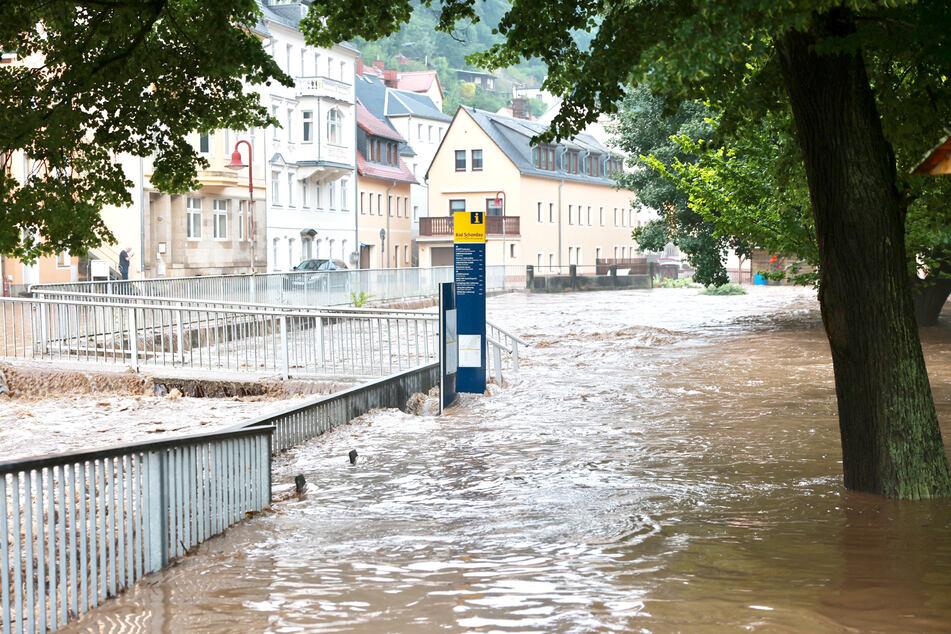 Die Ortsmitte von Bad Schandau gleicht einem See.