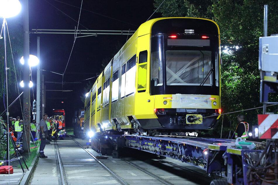 Von Bautzen nach Dresden und dann runter vom Laster hieß es für die neue Stadtbahn.