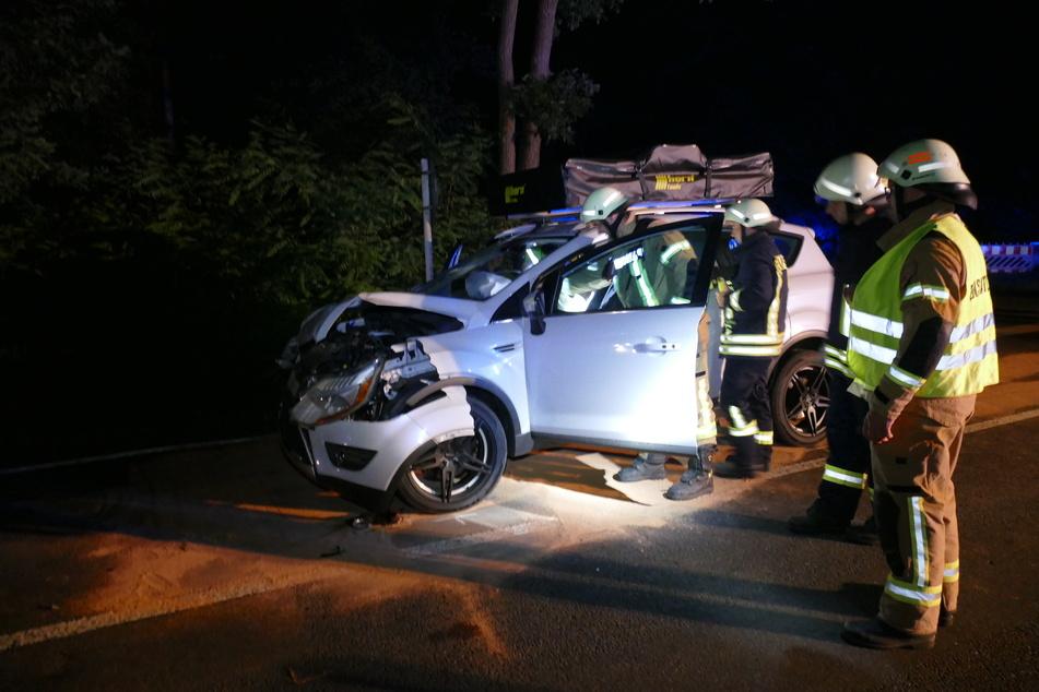 Am Ford Kuga ist frontal ein Schaden entstanden.