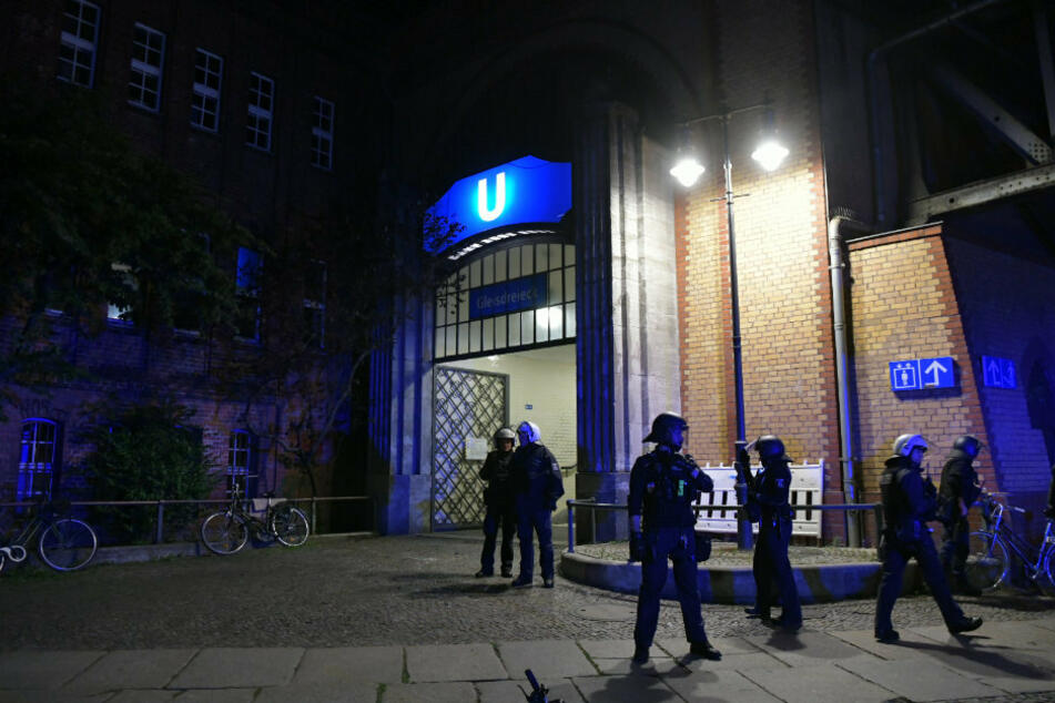 Streit nach Party im Park eskaliert: Mann hantiert mit Messer und wird verletzt