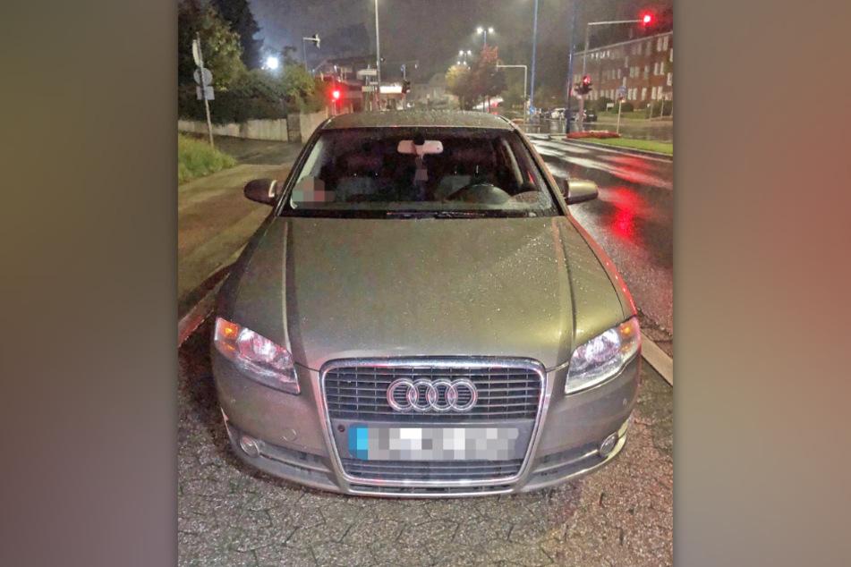 Die Polizei beschlagnahmte einen silbernen und einen schwarzen Audi.