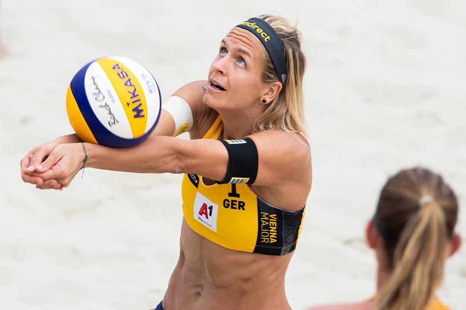 Laura Ludwig aus Deutschland in Aktion.