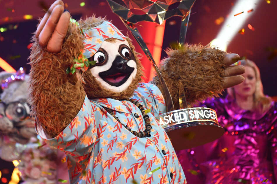 Doch nicht etwa Stefan Raab? Faultier gewinnt Masked Singer!