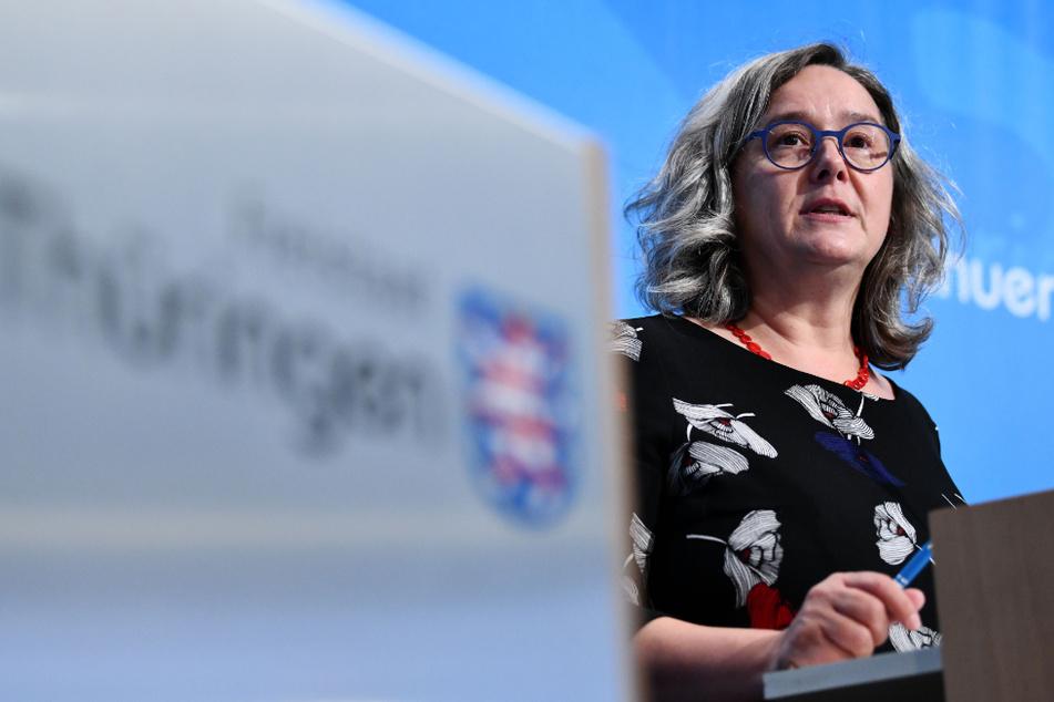 Thüringens Gesundheitsministerin Heike Werner (51, Linke) spricht in einer Regierungsmedienkonferenz.