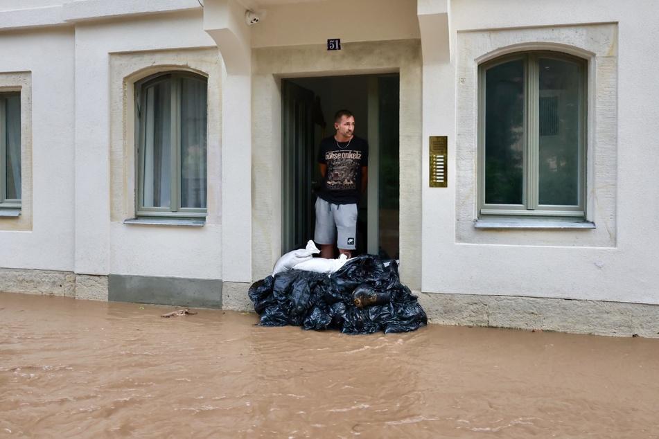 Jano Neubauer (33) aus Nauen im brandenburgischen Havelland hat sich seinen Urlaub in der Sächsischen Schweiz anders vorgestellt.
