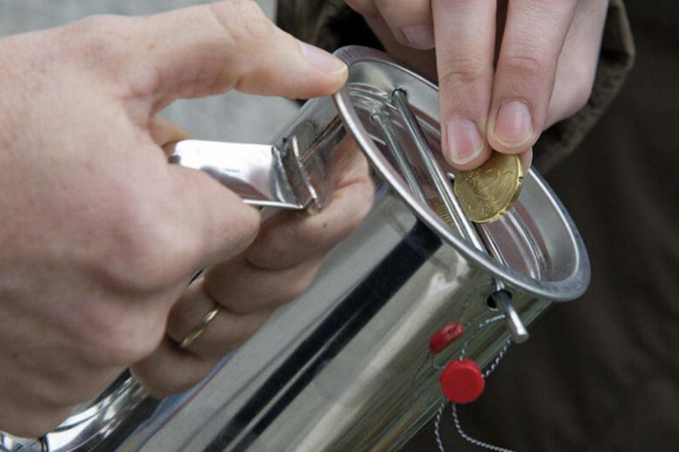 Betrüger sammeln Spenden und fahren dann im Audi davon