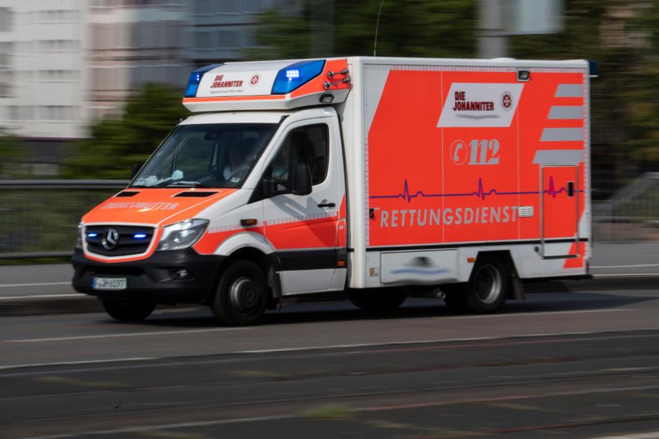 49-Jährige verliert während der Fahrt das Bewusstsein und stirbt