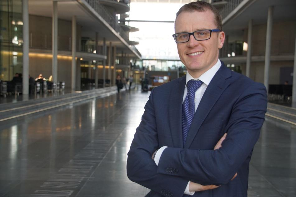 Alexander Krauß (44, CDU) fordert die Überprüfung der Einreisebedingungen für Tschechen, die nach Sachsen wollen.