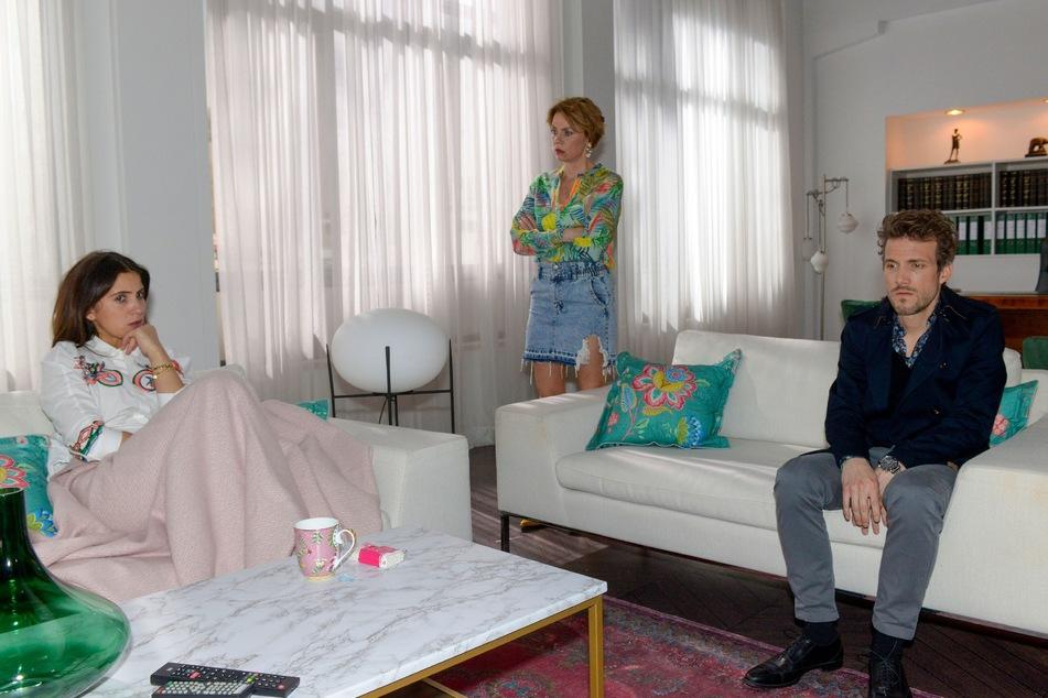 Laura erzählt Felix und Yvonne von ihrer Fehlgeburt.
