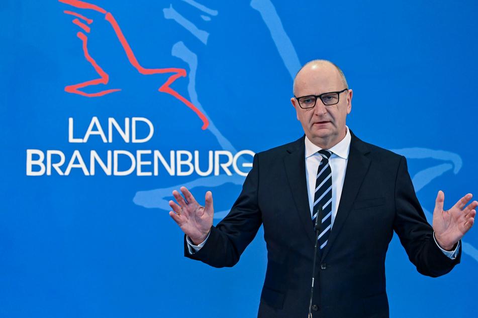 Dietmar Woidke informiert Landtag über Bund-Länder-Gipfel zur Corona-Pandemie