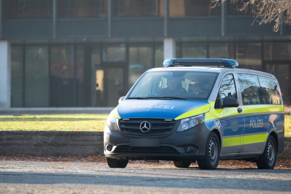 Polizei liefert sich Verfolgungsjagd mit Renault: Fahrer unter Alkohol und Drogen