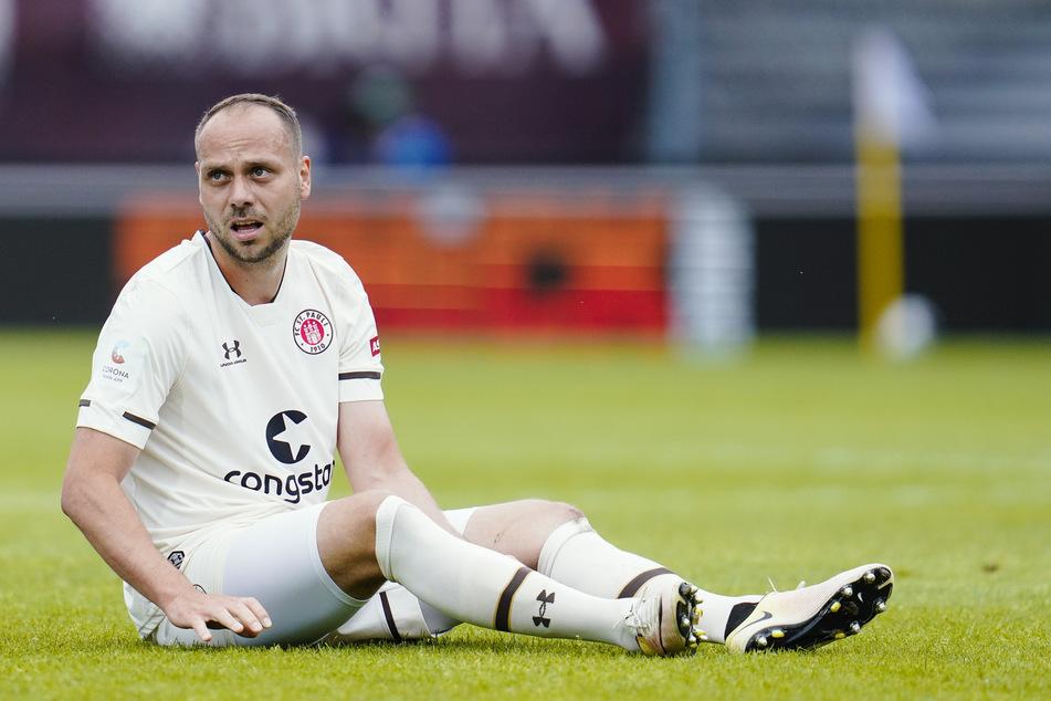 Rico Benatelli am Boden: Der 29-Jährige hatte beim FC St. Pauli zu Beginn mit Verletzungen zu kämpfen, fand nur schwer in die Spur. (Archivfoto)