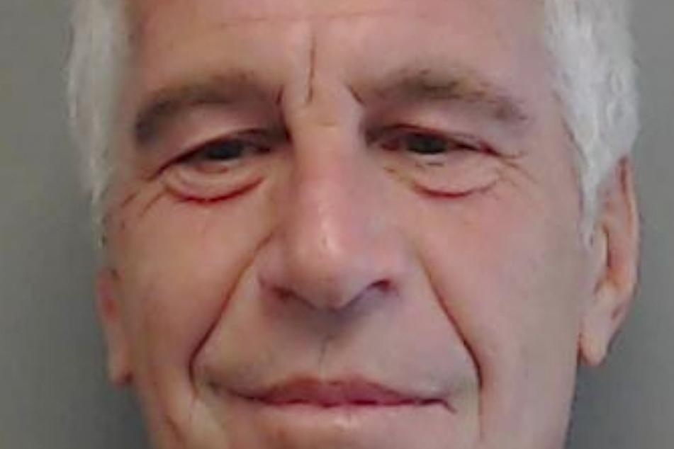 Im Skandal um den wegen Sexualverbrechen verurteilten und inzwischen gestorbenen Unternehmer Jeffrey Epstein (†66) sind inzwischen umfangreiche Gerichtsunterlagen veröffentlicht worden.