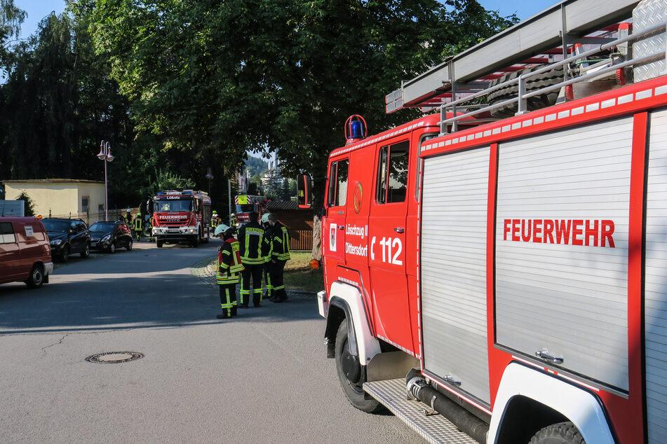 Mehrere Einsatzfahrzeuge der Feuerwehr waren vor Ort.