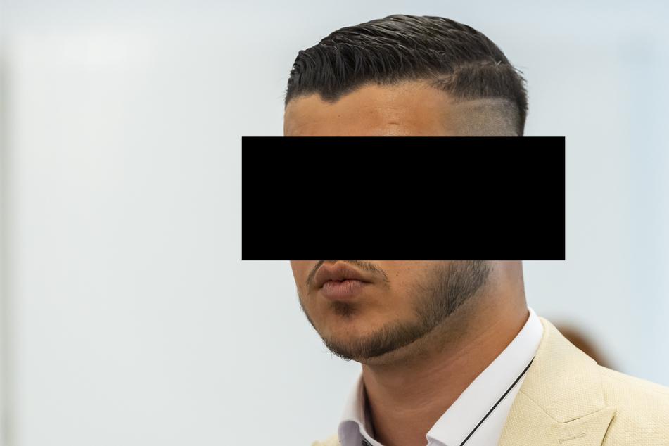 Alaa S. soll im August 2018 den Deutschen Daniel H. am Rande des Chemnitzer Stadtfestes niedergestochen haben.