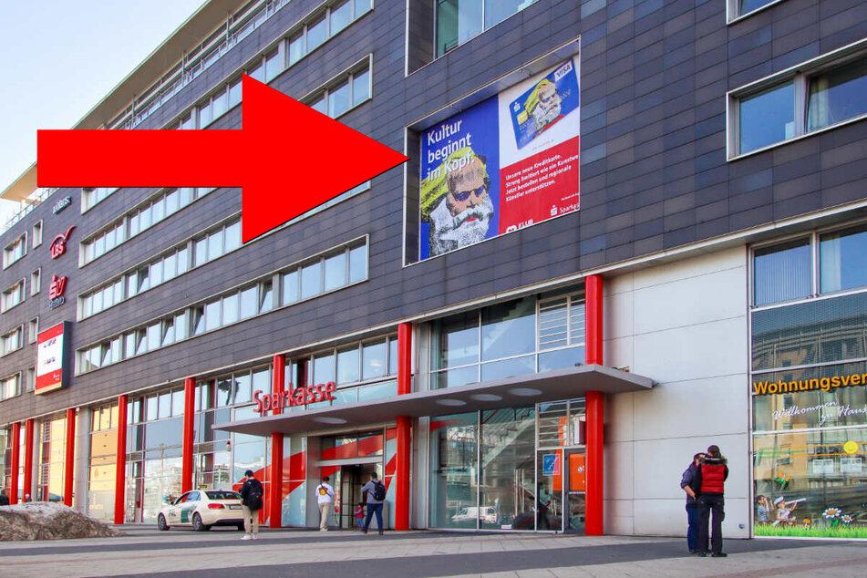 Dieses Banner der Sparkasse Chemnitz sorgt für weltweite Aufmerksamkeit