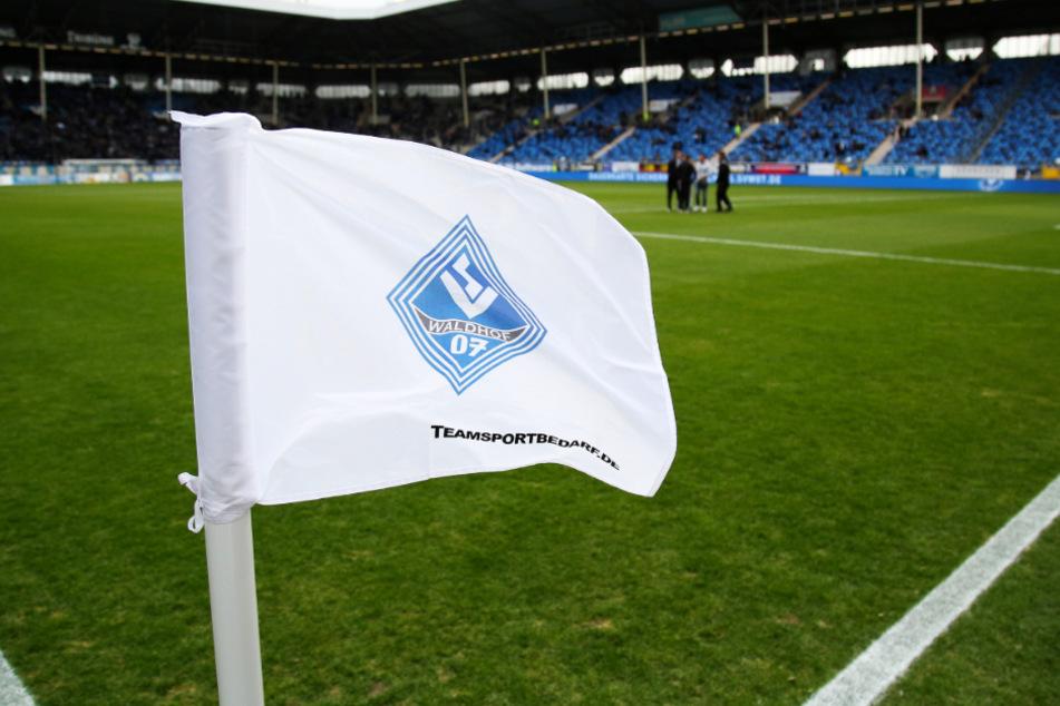Dem Drittligisten Waldhof Mannheim droht Ärger mit dem DFB.