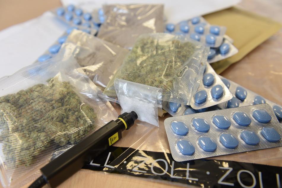 Drogen per Post verschickt: So viel fing der Kölner Zoll ab