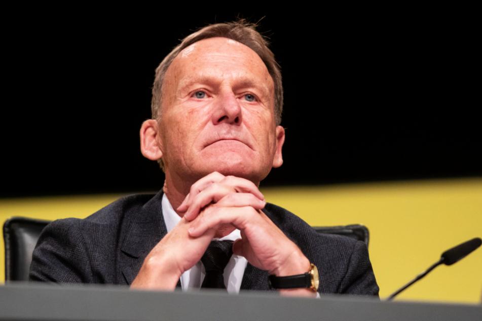 Hans-Joachim Watzke (60) befürchtet, dass die 50+1 Regel fallen könnte.