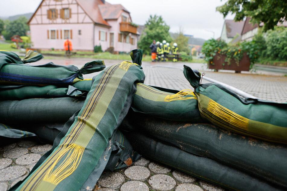 In Bayern ist die Gefahr vor Wassermassen nicht ganz vorbei. Die vergangene Nacht verlief jedoch entspannter als erwartet.