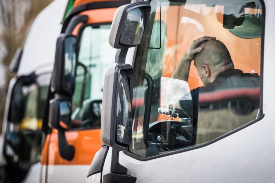 In Schlangenlinien über die A14: Betrunkener Laster-Fahrer erkennt nicht mal die Polizei