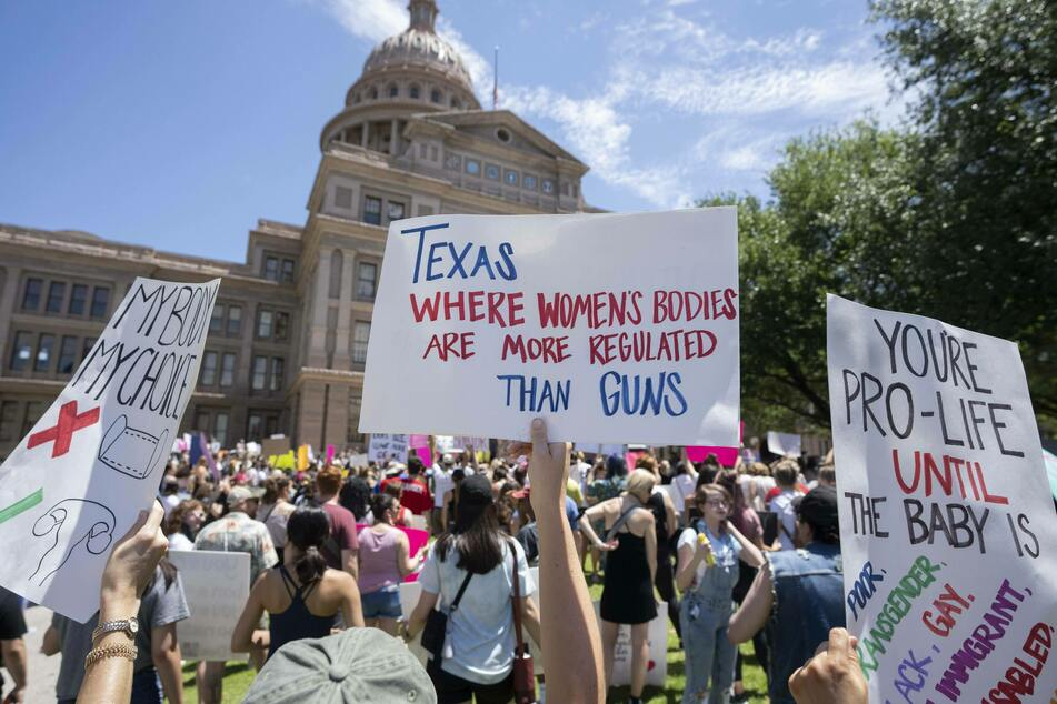 Texas federal appeals court upholds ban on common abortion procedure