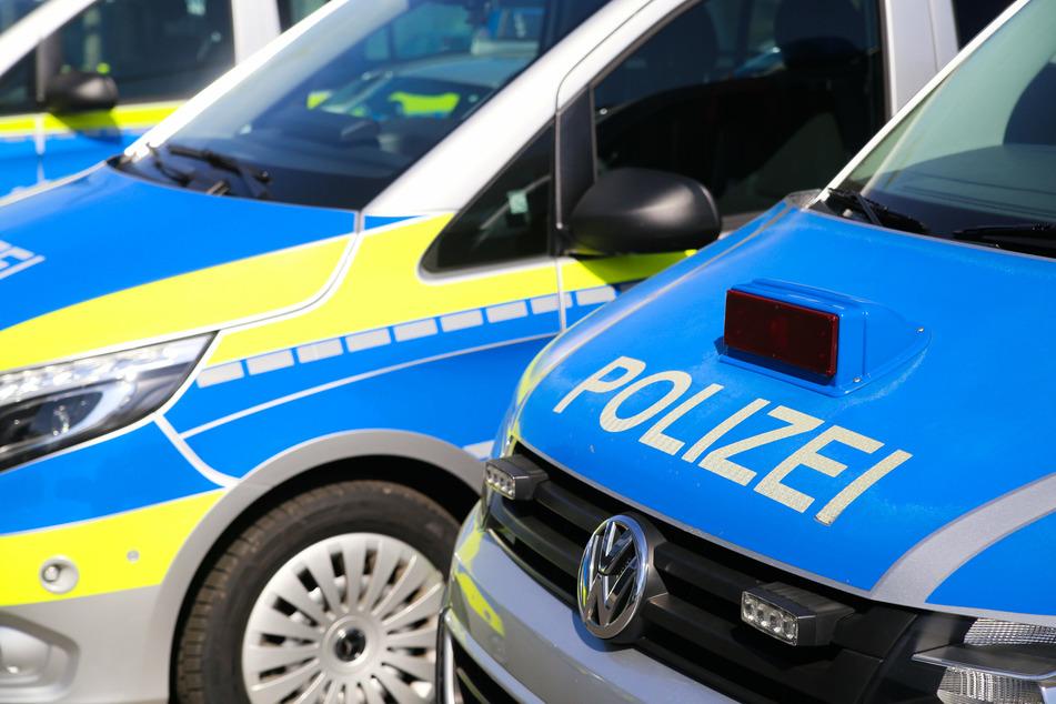 Beamte der Bundespolizei konnten die Verdächtigen auf der A17 in Richtung Tschechien ausfindig machen (Symbolbild).
