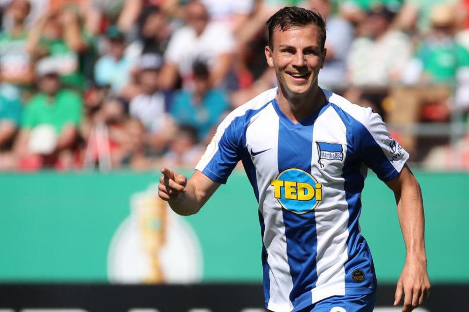 Mittelfeldmotor Vladimir Darida (30) wird auch in Zukunft das Trikot von Hertha BSC tragen. Am Dienstag verlängerte der tschechische Nationalspieler seinen Vertrag beim Hauptstadtklub.