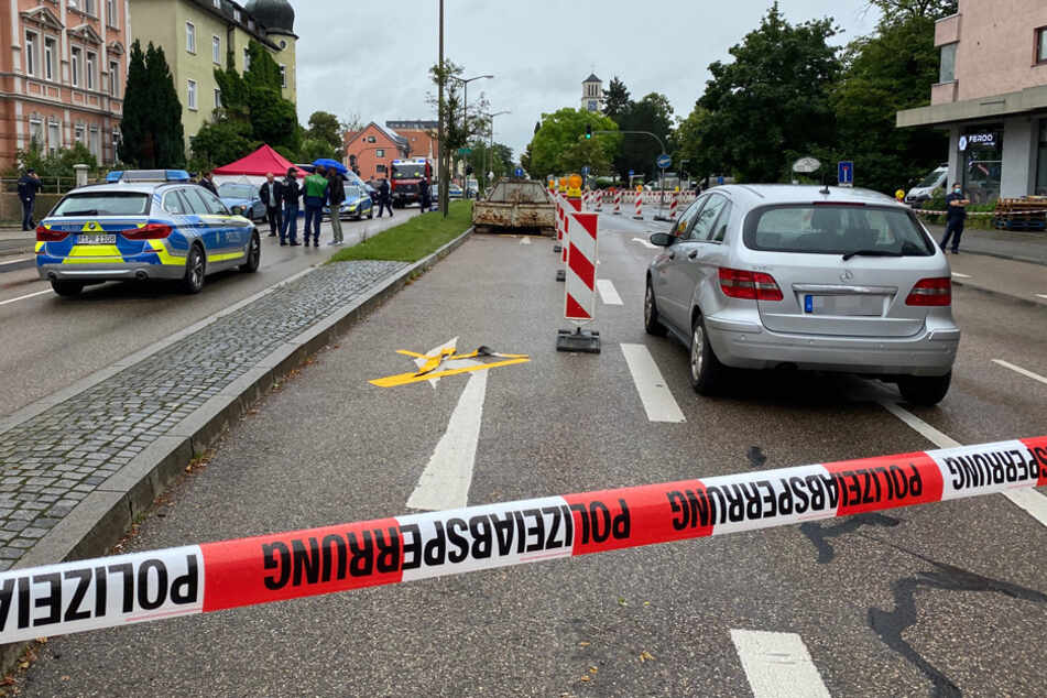 Die Furtmayrstraße im Regensburger Stadtosten wurde weiträumig abgesperrt.