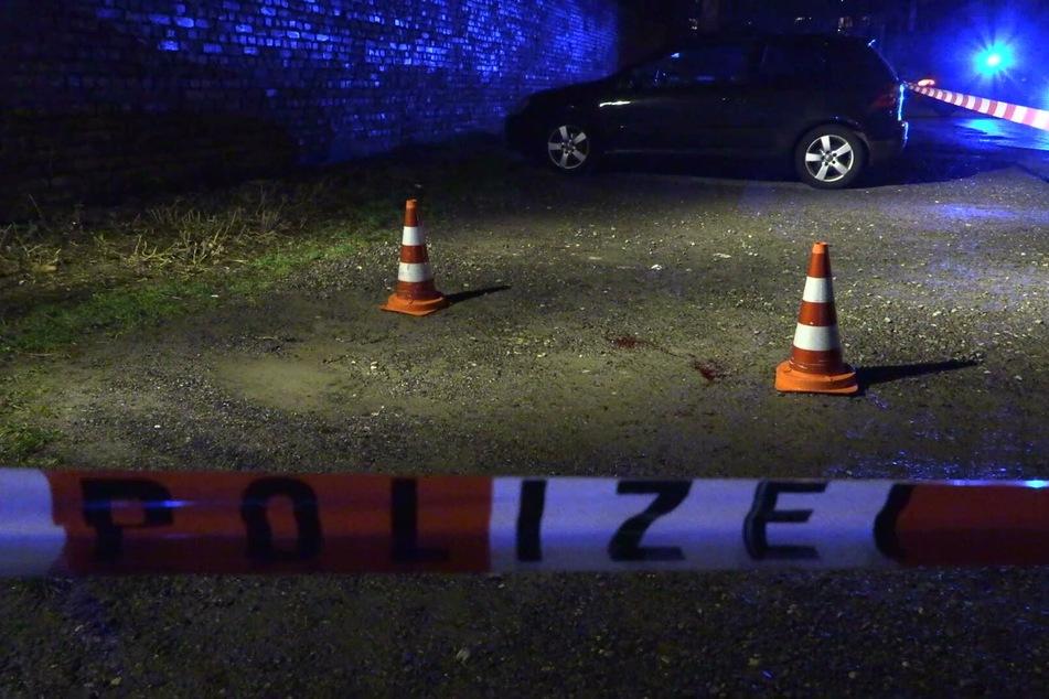 Zwei Männer (41 und 29 Jahre) wurden durch die Schüsse schwer verletzt, ein dritter Mann (33) erlag seinen Verletzungen.